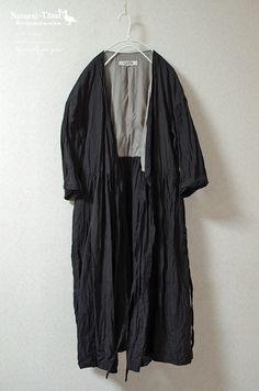 サイズ   :9号  身 幅   :51.8cm  着 丈   :102.7cm (首から 104.4cm)    袖 丈   :43cm (ドロップ12cm... ハンドメイド、手作り、手仕事品の通販・販売・購入ならCreema。