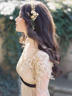 stunning wedding dress detailing
