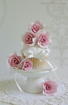 Pink roses cupcake | Flickr - Photo Sharing!