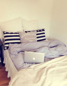 Those covers look so soft and fluffy (100+) teen bedroom | Tumblr