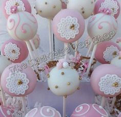 Shabby Chic Cake Pops - 12 Cake Pops - Lace Vintage - Edible Favors - MaD Cake Pop Shop by TheMaDCakePopShop on Etsy https://www.etsy.com/listing/203617135/shabby-chic-cake-pops-12-cake-pops-lace