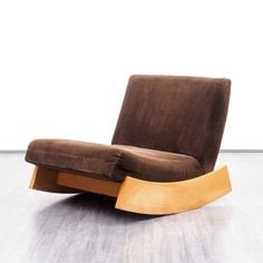 Wood Chair Design, Sofa Design, Chair Upholstery, Upholstered Chairs, Sofa Chair, Lounge Couch, Papasan Chair, Chair Cushions, Cool Furniture