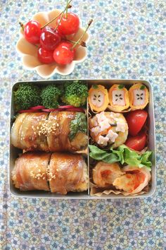 Bento Lunch of Nikumaki Onigiri (Teriyaki rice ball wrapped with thin pork meat) by mizuking