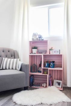 Wow Amazing Crate Bookshelf Idea Use Wooden Crates And Spray Paint In A Unique Way To Make Some Beautiful Home Decor For Your Child's Bedroom Or Nursery Love This Pick Color For A Girl's Room Pretty And Pink : Bookshelves In Living Room, Small Bookshelf, Crate Bookshelf, Bookshelves Kids, Bookshelf Ideas, Diy Bookshelf Design, Diy Bookcases, Romantic Bedroom Decor, Kids Bedroom