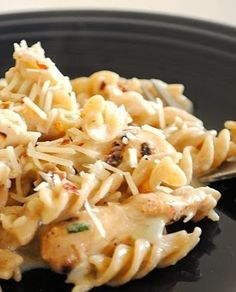Another pinner said: Oh my, must try this!! White Cheddar Chicken Pasta