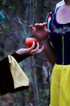It Changes Everything by Darkmoonwanted.deviantart.com on @deviantART - Snow White and the apple