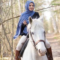 Pretty Horses, Beautiful Horses, Modest Fashion, Hijab Fashion, Martial, New Hijab, Hijab Dpz, Hijab Collection, Girls Dp Stylish