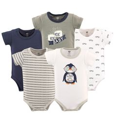 Hudson baby bodysuits are an essential part of baby's wardrobe. Our bodysuits feature adorable prints, embroideries, stripes and solids and provide a comfortable base layer that's great for pairing with pants, shorts, or even wearing under outfits. Our bodysuits are comfortable and cozy for all-day, everyday wear for your little one. Cute Baby Clothes, Baby & Toddler Clothing, Babies Clothes, Girl Clothing, Baby Vision, Baby Boy Newborn, Baby Boys, Baby Momma, Teen Boys