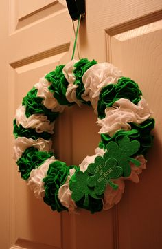 Mailbox Journey » Saint Patrick's Day Wreath