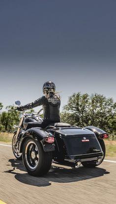 This hot rod custom-inspired trike is designed to make a statement. | 2016 Harley-Davidson Freewheeler