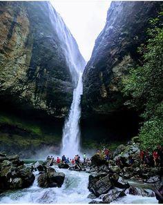 Devkund Waterfalls, Maharashtra