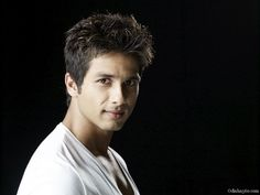 Indian Actor Shahid Kapoor images