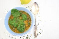 Dass die Linsensuppe mit Spinat vegan ist, das ist mir erst später aufgefallen! Gesucht habe ich ein Rezept mit frischem Blattspinat.