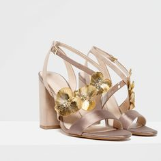 Image 4 of HIGH HEEL SANDALS WITH FLORAL DETAIL from Zara