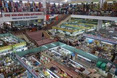 Traditional markets are one part in Vietnamese life. Han market (Da Nang) sold a lot of diverse items. Tourists can take hours that can explore all the stalls.