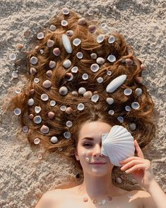 New photography artistique photoshoot eyes Ideas Beach Photography Poses, Beach Poses, Portrait Photography Poses, Summer Photography, Creative Photography, Animation Photo, Kreative Portraits, Shotting Photo, Photographie Portrait Inspiration
