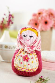 We're delighted to introduce you to Maria by @Amanda Snelson Snelson Berry which you can make with issue 61's kit. On sale 16th May!