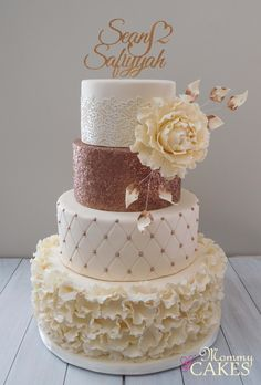 Boda Creative Wedding Cakes, Black Wedding Cakes, Floral Wedding Cakes, Amazing Wedding Cakes, Elegant Wedding Cakes, Wedding Cake Designs, Trendy Wedding, Cupcake Tower Wedding, Wedding Cupcakes