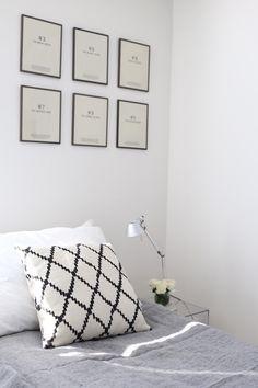 Homevialaura | bedroom | Balmuir Melange Linen | Chhatwal & Jonsson | Ikat cushion | Kartell Jolly | Artemide Tolomeo