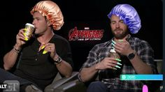 Chris Hemsworth and Chris Evans Avengers Humor, Avengers Cast, Marvel Jokes, Marvel Funny, Marvel Photo, Marvel Actors, Marvel Avengers, Chris Evans, Chris Pratt