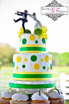 Yellow and green wedding cake (lemon and lime wedding)