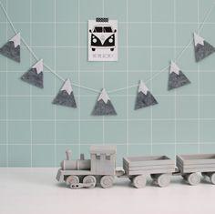 Bergenslinger van vilt van Kidsware, te leuk voor de babykamer of kinderkamer!