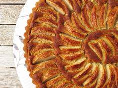 Æbletærte med et strejf af jul (Anine.dk - Kagekærlighed i massevis) Apple Pie, Cake, Sweet, Desserts, Candy, Tailgate Desserts, Deserts, Kuchen, Postres
