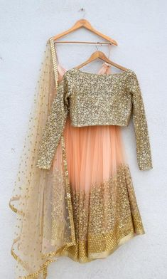 Explore from latest collection of lehengas online. Shop for lehenga choli, wedding lehengas, chaniya choli, ghagra choli & designer lehengas in variety of colors. Indian Wedding Gowns, Indian Bridal Outfits, Indian Gowns Dresses, Indian Designer Outfits, Pakistani Dresses, Lehenga Wedding, Bridal Anarkali Suits, Patiala Salwar Suits, Indian Lehenga