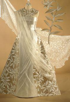 Paper Dress – Isabelle de Borchgrave