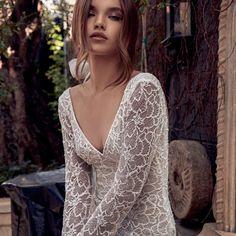 Love never felt so good  #JulieVino #vakkowedding #bridal Bridal Collection, Dress Collection, Fit And Flare Wedding Dress, Bridal Looks, Beautiful Bride, Evening Dresses, Chiffon, Feminine, Gowns