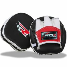 RDX Focus Pads are known for the compact size and high level grip that ensures extra support and are designed for added stability and durability. Training Pads, Boxing Training, Mma Boxing, High Level, Muay Thai, Cowhide Leather, Gloves, Pairs, Mini