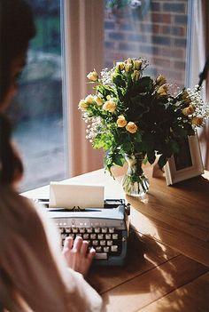 This bright, poetic image is what many people think writers do. I've never see a career writer with a workspace this neat. Writing seems to be a messy process for most of us. Lifestyle Fotografie, Jolie Photo, Writing Inspiration, Life Is Beautiful, Retro, In This Moment, Lily, World, Decoration
