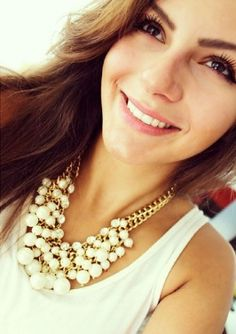 Pearl Blossom Statement Necklace 26,90 € #happinessbtq