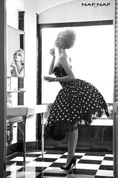 When I grow up I want to be a vintage pin up girl :) Up Girl, Girly Girl, Moda Pin Up, Look Fashion, Fashion Beauty, White Fashion, Pin Up Fashion, Fashion Shoes, Women's Fashion