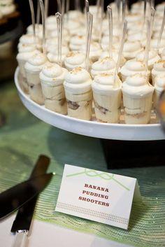 Banana Pudding Dessert Shooters please! Banana Pudding Dessert Shooters please! Banana Pudding Dessert Shooters please! Mini Desserts, Shot Glass Desserts, Party Desserts, Wedding Desserts, Wedding Cake, Mini Dessert Shooters, Mini Dessert Cups, Dessert Shots, Cheesecake Shooters