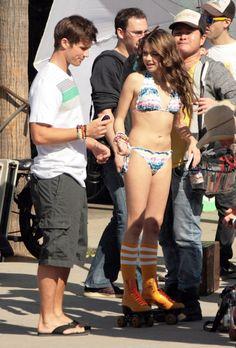 Sarah Hyland Ashley Tisdale Sarah Hyland Celebs Celebrities Ariel Winter Bikinis