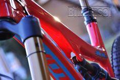 "Pivot Firebird ""red eagle"" custom - custom bike by www.bikeinsel.com  #Pivot #Firebird #bikeinsel #SramEagle #Foxracingshox #Hope Firebird, Custom Bikes, Energy Drinks, Red Bull, Beverages, Eagle, Canning, Mtb Bike, Eagles"