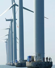 Large offshore turbines to scale