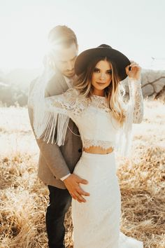 Boho Bride Engagement Photos with Vintage Florals, Twinkle Lights Teepee, Shikoba Bridal Dress. Check out the Boho Wedding Inspiration below including flowers, invitations, dresses and Engagement Photo Dress, Engagement Outfits, Engagement Rings, Vintage Engagement Photos, Outfits Plus Size, Dress Plus Size, Boho Bride, Boho Wedding, Wedding Hats