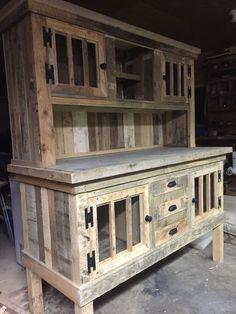 Pallet wood hutch