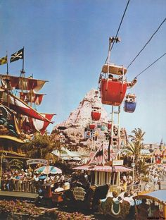 This pic brings back great memories and reminds me how much I loved the skyway!  My favorite part was going through the Matterhorn and hearing the abominable snowman.