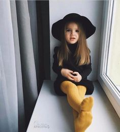 Cute baby girl clothes outfits ideas 76 - TRENDS U NEED TO KNOW girl fashion fashion kids styles swag diva girl outfits girl clothing girls fashion Little Girl Fashion, Toddler Fashion, Fashion Kids, Fashion Fall, Little Girl Style, Style Fashion, Little Girl Photos, Kids Winter Fashion, Fashion Trends