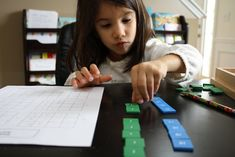 Multiplication - skip counting and Montessori materials - Nurturing Learning Number Sense Kindergarten, Kindergarten Math, Math Division, Math Graphic Organizers, Number Bonds, Skip Counting, Math Notebooks, Math Numbers, Montessori Materials