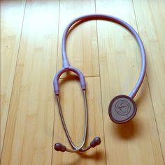Littmann Lightweight Stethoscope Purple lilac Excellent stethoscope, dual bell with a lightweight design. Beautiful light purple color. littmann Accessories