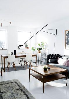 Современная датская квартира с элементами винтажного  декора