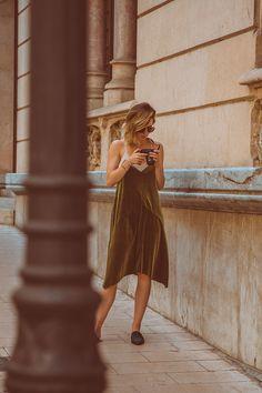 Fashionblog-Fashionblogger-Fashion-Blog-Blogger-Muenchen-Munich-Deutschland-Modeblog-Satinkleid-Slipper-3