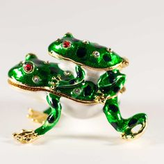 Faberge Jewelry Box Two Frogs is made by Russian artists in old traditions of Faberge style. The box is made of brass, gilded, enameled with several layers of multicolored enamel Faberge Jewelry, Jewelers Near Me, Jewelry Box, Fashion Jewelry, Brooch, Jewels, Christmas Ornaments, Holiday Decor, Gifts
