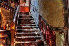 Gallery: Empty mansions / Flickr