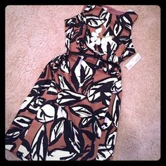 Evan-Picone Dress NWT dress by Evan-Picone. Bold leaf pattern in black, brown, and white. Detachable Patent black belt. Evan Picone Dresses
