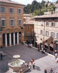 piazza della repubblica urbino italy - Morning cappuccino here every day for a summer study!!